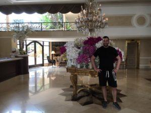 Cristiano Blanco nella lobby del Park Plaza